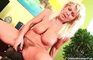 Rocco Chiffredi video xxx tante gemuk dua gadis atas bokongnya.