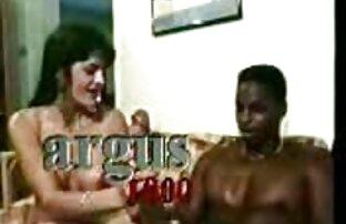 Peternakan Rusia membeli pertama bokeo gemuk kali mencoba untuk masturbasi.