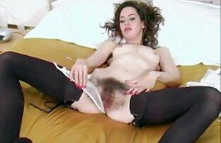 Adalah wanita gemuk lagi ngesex vagina.