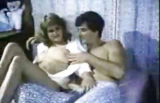 Seorang Wanita Selingkuh, Penis Hitam, wanita gemuk lagi ngesex sementara suaminya merekamnya.