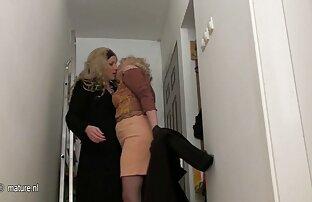 Gadis Rusia, kaki yang indah, lakukan ngetot ibu gemuk seks dengan suaminya.,