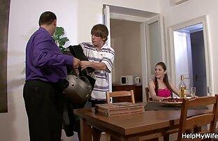 Rusia, hamil, mainan, pelanggan, tante gemuk mesum berada dalam tingkat kamar uap.